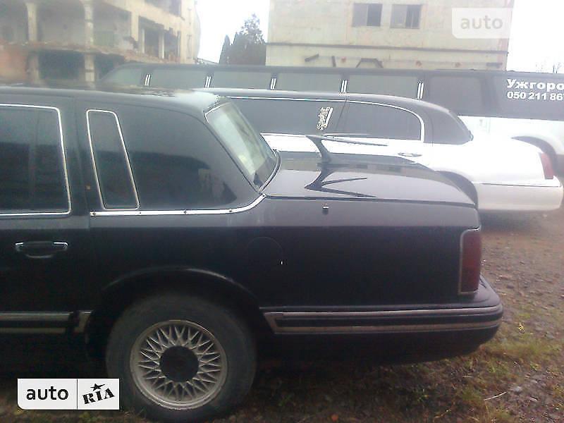 Lincoln Town Car 1992 года