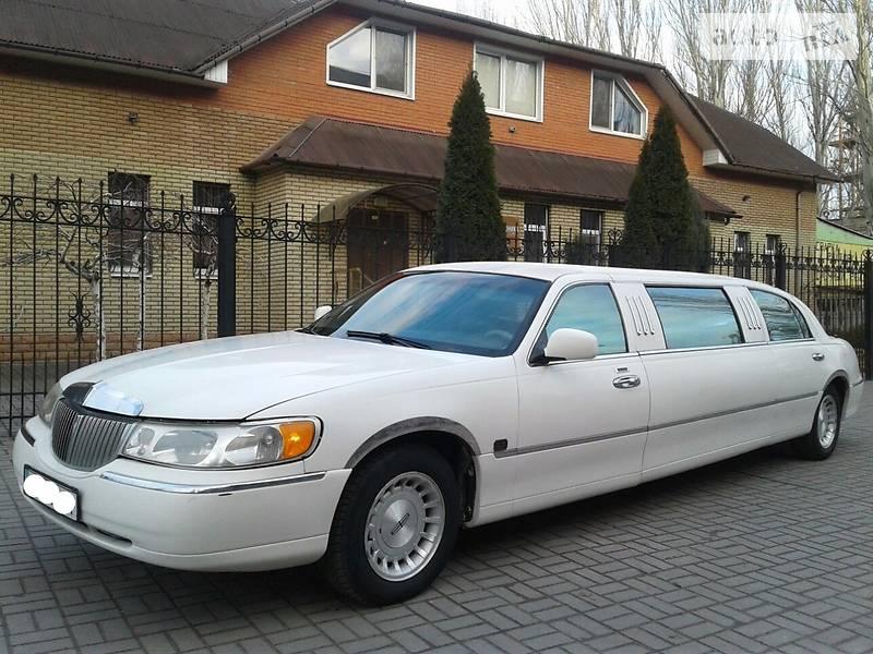 Lincoln Town Car 1998 року