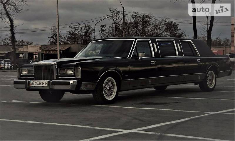 Lincoln Town Car 1985 года