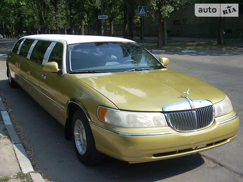 Lincoln Town Car 2000 года