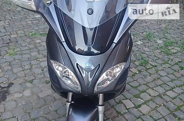 Ціни Piaggio Максі-скутер