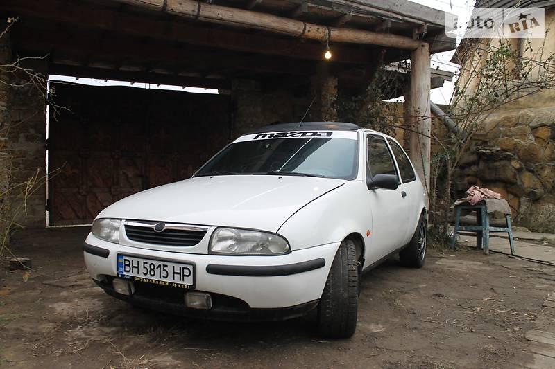 Mazda 121 1997 года