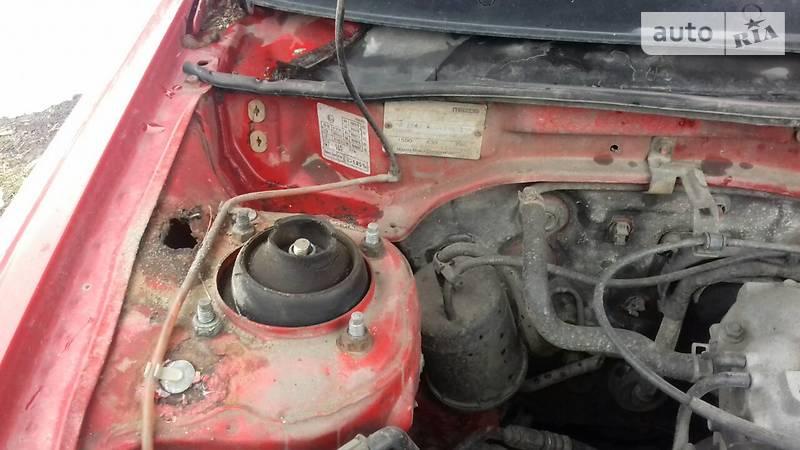 Mazda 323 1994 року
