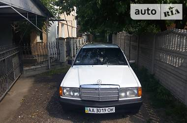 Mercedes-Benz 190 2.0 1988