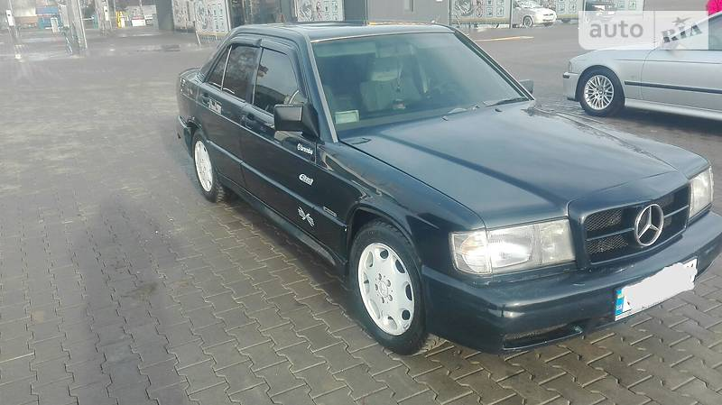 Mercedes-Benz 190 1990 року