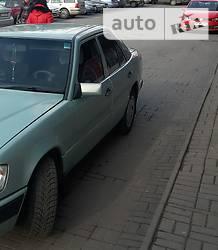 Mercedes-Benz 200  1988