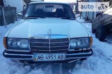 Mercedes-Benz 200  1982