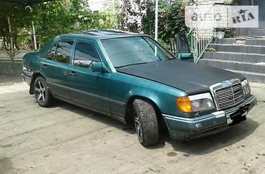 Mercedes-Benz 220  1989