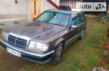 Mercedes-Benz 220  124 1993