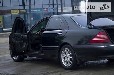 Mercedes-Benz 220  2000