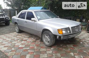 Mercedes-Benz 230  1986