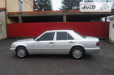 Mercedes-Benz 250  1995