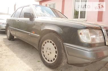 Mercedes-Benz 260  1990