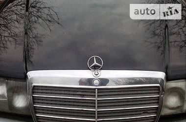 Mercedes-Benz 260  1992