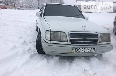 Mercedes-Benz 260  1994