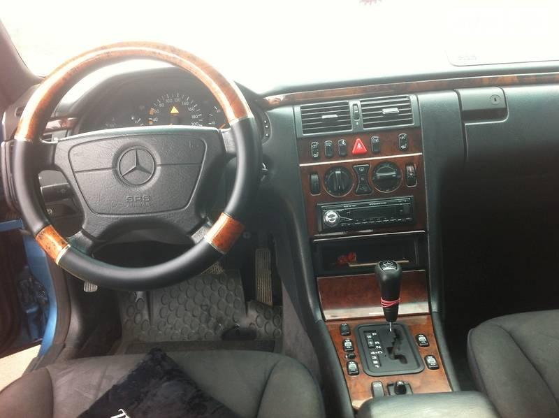 Mercedes-Benz 290