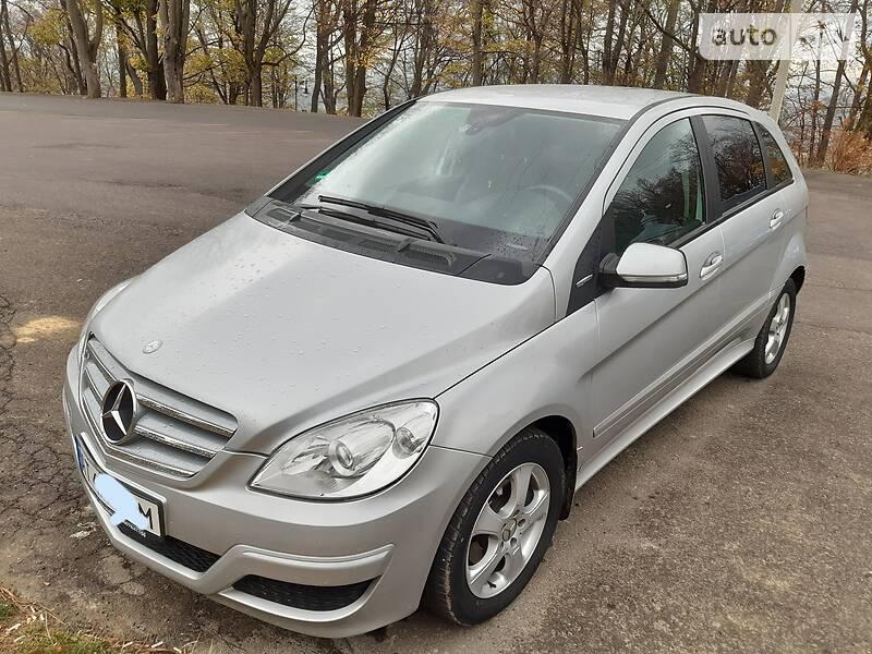 Mercedes-Benz B 170