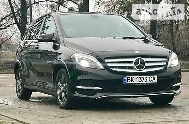 Mercedes-Benz B 200 2.0 TURBO  2014