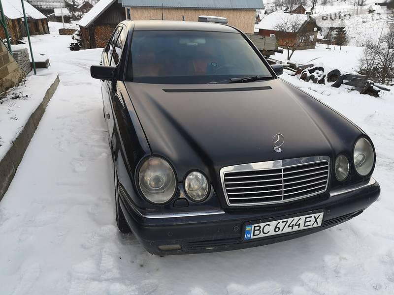 Mercedes-Benz E 300D