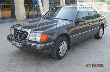 Mercedes-Benz E-Class W124 250D  1992