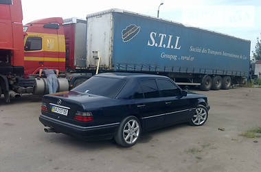 Mercedes-Benz E-Class  1990