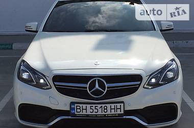 Mercedes-Benz E-Class AMG SPORT  2011