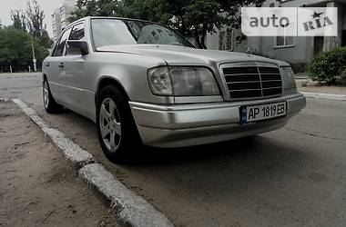 Mercedes-Benz E-Class w124 1987