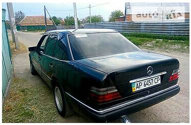 Mercedes-Benz E-Class W124 E260 1986