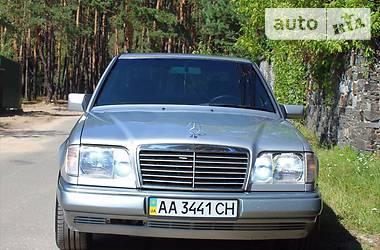 Mercedes-Benz E-Class W124 E320 1995