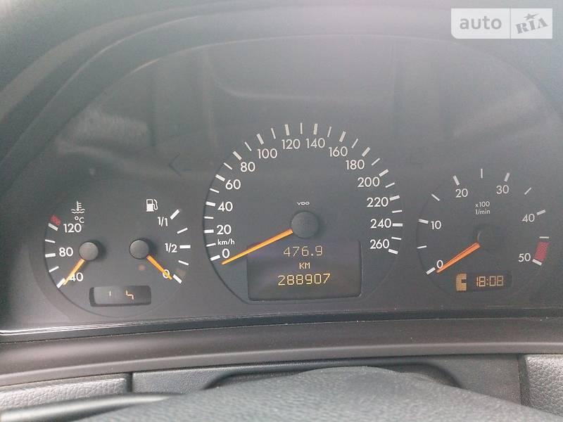 Mercedes-Benz E 2001 года