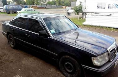 Mercedes-Benz E-Class 1989