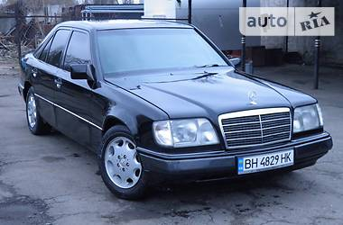 Mercedes-Benz E-Class IDEAL 1989