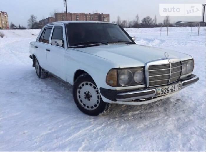 Mercedes-Benz E 1984 года