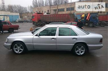Mercedes-Benz E-Class  1992