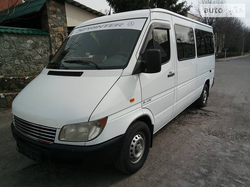 Mercedes-Benz Sprinter 216 пасс.