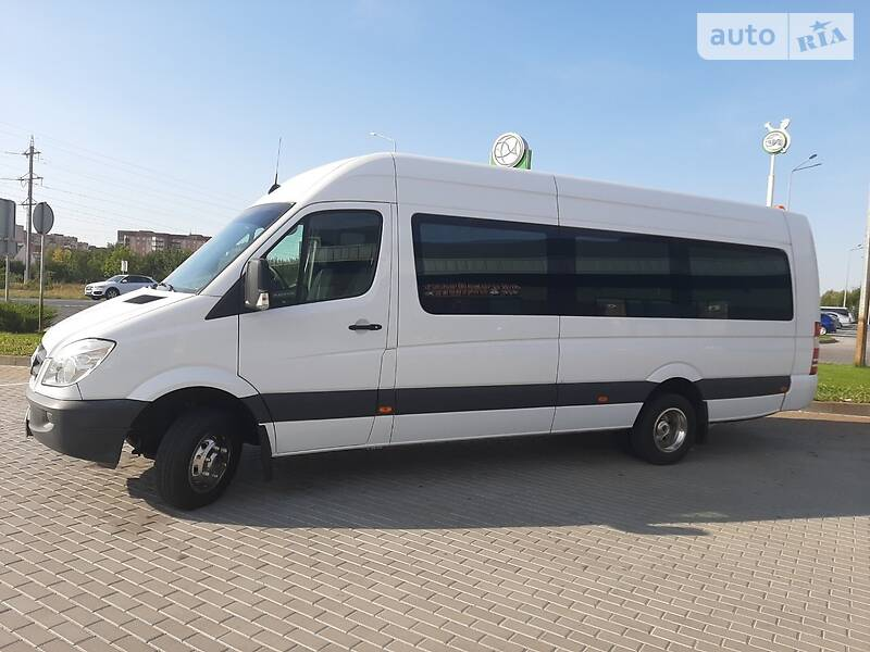 Mercedes-Benz Sprinter 516 пасс.
