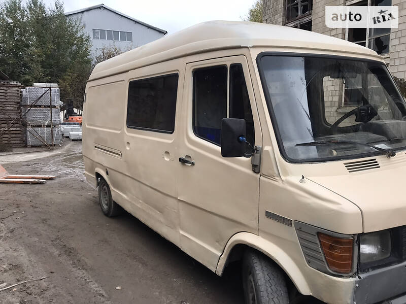 Mercedes-Benz T1 208 груз-пасс