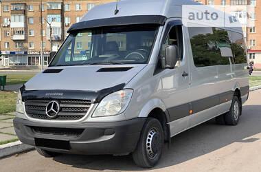 Характеристики Mercedes-Benz Sprinter 516 пас. Мікроавтобус (від 10 до 22 пас.)