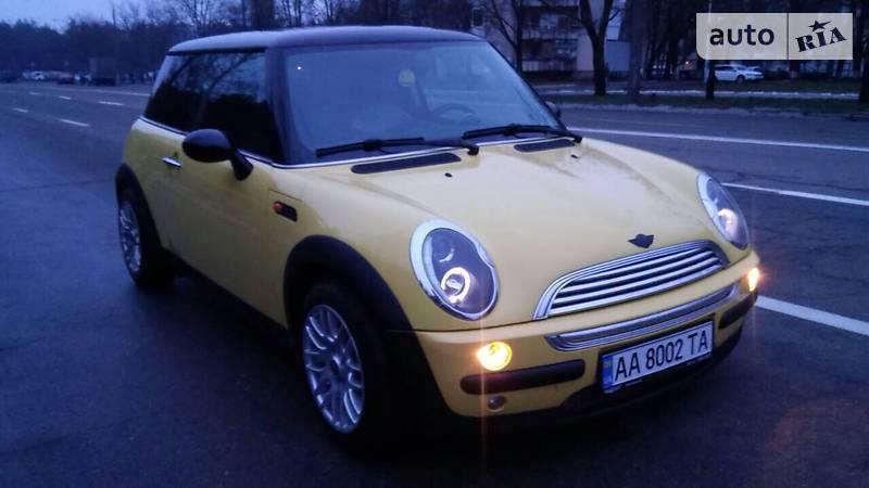 Mini Cooper 2004 року