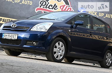 Характеристики Toyota Corolla Verso Мінівен