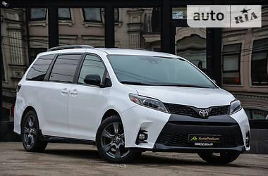 Характеристики Toyota Sienna Минивэн