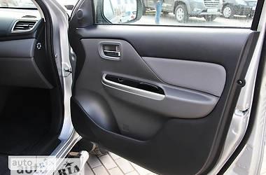 Mitsubishi L 200 New 2.4D MT (154 л.с 2016
