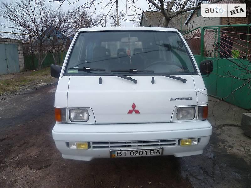 Mitsubishi L 300 пасс.