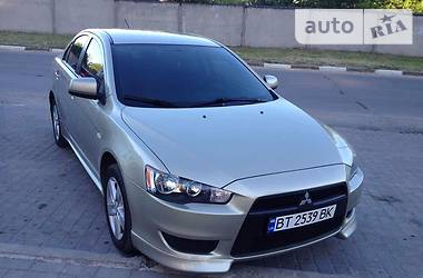 Mitsubishi Lancer X 1.5 AT Invite 2010