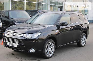 Mitsubishi Outlander PHEV 2.0i Hybrid  2015