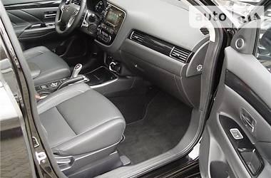 Mitsubishi Outlander PHEV 2017 года