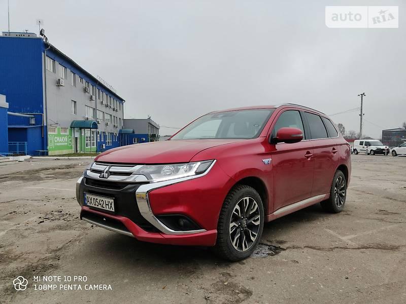 Универсал Mitsubishi Outlander PHEV