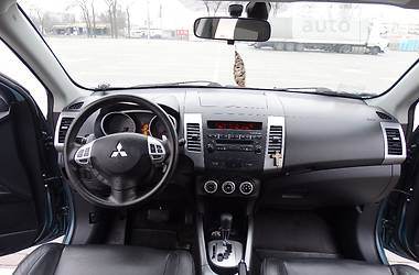 Mitsubishi Outlander XL  ROSCFORD 2010