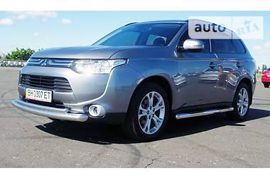 Mitsubishi Outlander XL  2013