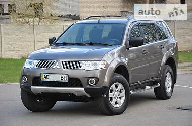 Mitsubishi Pajero Sport  Invite DI-D 2012